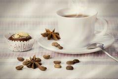 Kopp av moning kaffe royaltyfri bild