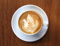 Kopp av skummigt kaffe Arkivbilder