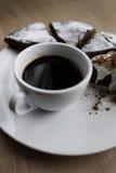Kopp av svart kaffe som beskådas från över royaltyfri fotografi