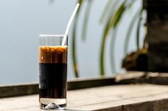 Kopp kaffe i retro lynne vietnam Royaltyfri Bild