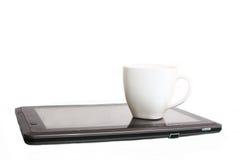 Kopp kaffe på minnestavlan Fotografering för Bildbyråer