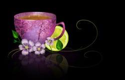 Kopp te med citronen och blommor Fotografering för Bildbyråer