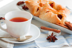 Kopp te med teskeden Royaltyfri Bild