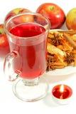 Kopp te och frukter med stearinljuset Royaltyfria Foton