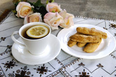 Kopp te och kaka Royaltyfri Bild
