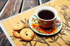 Kopp te och kakor Royaltyfri Fotografi