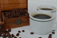 koppar för svart kaffe två Arkivfoton