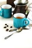 Koppar kaffe och kaffekruka Royaltyfri Foto