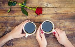 Koppar med ett kaffe royaltyfria foton
