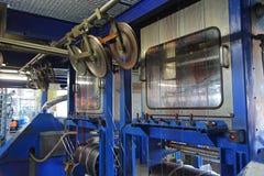 Kopparkabelfabrik maskinmekanism Arkivbild