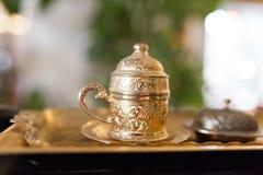 Kopparkopp för turkiskt kaffe Arkivfoton