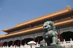 Kopparlejonet i Forbidden City Arkivfoto