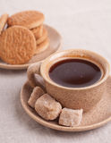 Koppen av coffe med bescuits Royaltyfria Bilder