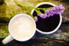 Koppen av varm choklad mjölkar Arkivfoto
