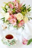 koppen blommar tea Royaltyfria Foton