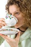 koppen dricker kvinnan royaltyfri foto