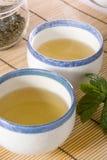 Koppen met groene thee royalty-vrije stock foto's