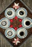 Koppen met koffie, het concept van het patroonontwerp royalty-vrije stock foto