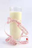 koppen mjölkar Fotografering för Bildbyråer