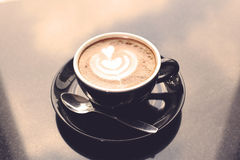Koppen van koffie op de lijst Royalty-vrije Stock Afbeeldingen