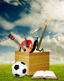 Koppla av efter klassrum med musik och sporten Arkivbilder