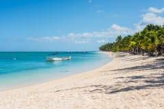 Koppla av ferier i tropiskt paradis Mauritius ö Arkivbild