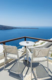 Koppla av i Santorini, Grekland Arkivfoton