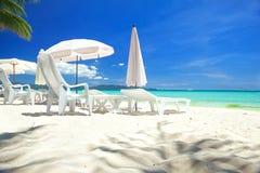 Koppla av område på stranden Royaltyfri Bild
