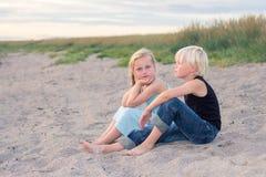 Koppla av på stranden Arkivfoton