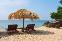 Koppla av på stranden i Cambodja Arkivbilder