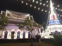 Koppla av Tid i phasamutjedi för Pha Samutjedi Samutprakan Thailand I förälskelseThailand I förälskelse royaltyfri fotografi