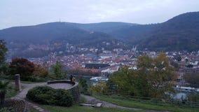 Koppla ihop att tycka om sikt av den Heidelberg staden, Tyskland Arkivfoton