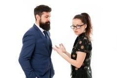 Koppla ihop konflikten och tvist Missförstå på arbete diskussion mellan affärsmannen och kvinnan Affärskonflikt royaltyfria foton