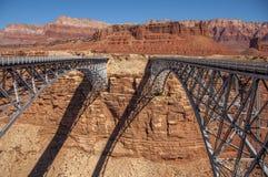 Koppla samman broar på marmorkanjonen Arkivbild