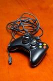 Kopplad från videospelkontrollant Royaltyfria Foton