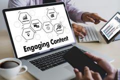 Kopplande in vision för information om publikation för massmedia för NÖJDA marknadsföringsdata Blogging tillfredsställer begrepp royaltyfri fotografi
