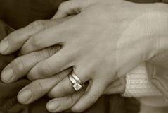 kopplingen hands holdingen Royaltyfria Foton