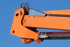 Kopplingsbeståndsdelrör i det hydrauliska systemet av traktoren tryck leda i rör konstruktionsmaskineri Royaltyfri Fotografi