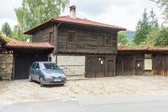 Koprivshtitsa: entre la madera y la piedra Fotografía de archivo libre de regalías