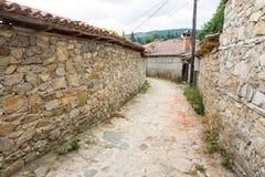 Koprivshtitsa: piedra en tres lados, Bulgaria Imagen de archivo libre de regalías