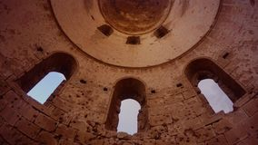 Kopuła St George Greckokatolickiego kościół rujnujący i dolny widok porzucający, zbiory wideo