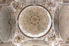 KopulaSan Domenico kyrka och Fontana d'Ercole, Noto, Sicilien, Italien Arkivbilder