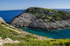 Korakonissi - naturalny basen ciepły turkusowy kryształ - jasna woda zdjęcia royalty free