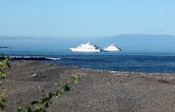 Korall I & korall II på ankaret (Galapagos öar, Ecuador) Fotografering för Bildbyråer