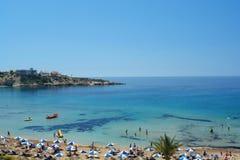 Korallenroter Schacht in Zypern Stockbild