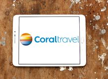 Koralowy podróży wycieczki turysycznej agenci logo obrazy royalty free