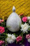 Korb der Blumen Stockfoto