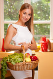 Korb der gesunden Diät Stockbilder