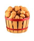 Korb der Kartoffeln lizenzfreie stockfotografie