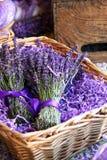 Korb des Lavendels stockfotos